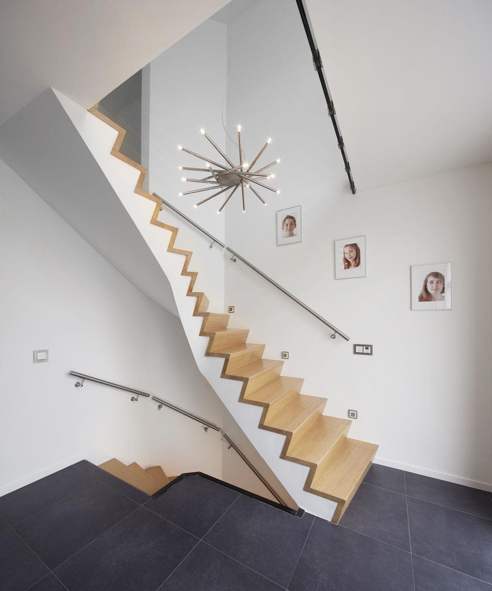 Project moderne z trap door henk van leeuwen - Moderne betonnen trap ...