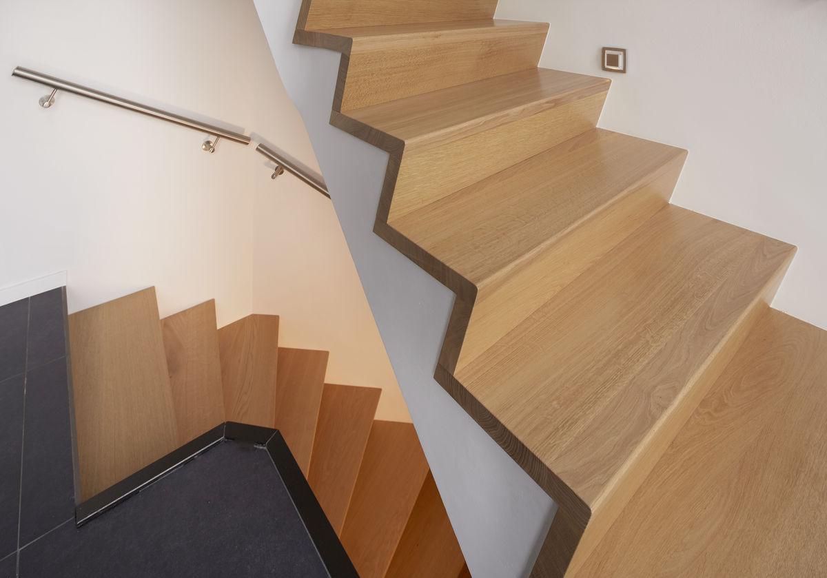 Project moderne z trap door henk van leeuwen for Dikte traptreden hout