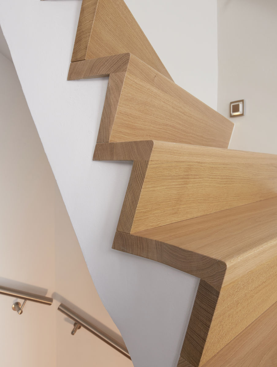 Project moderne z trap door henk van leeuwen for Moderne houten trap