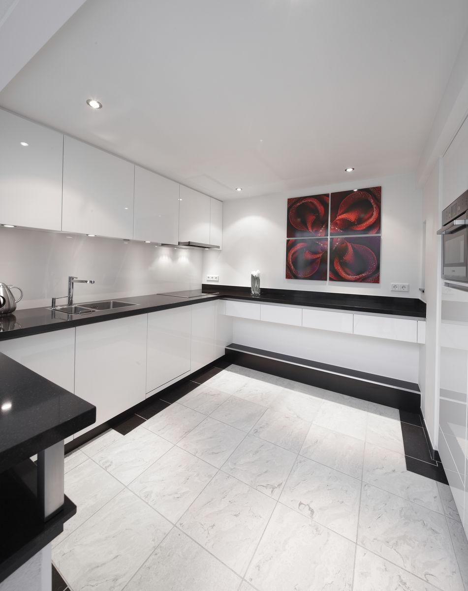 Bekijk de moderne witte keukens door henk van leeuwen - Moderne witte kamer ...